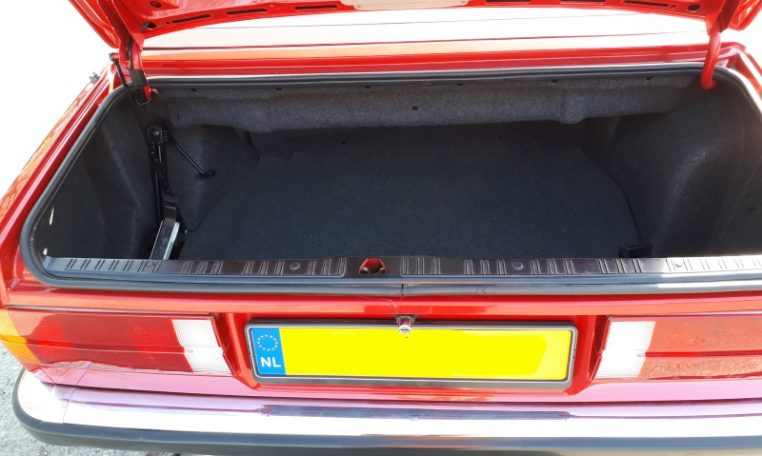 BMW 325i Cabrio E30 Zinnoberrood 140000 Km Zwart Leder