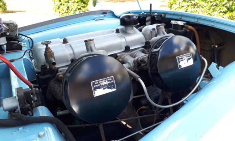 Triumph TR3A Lichtblauw Met Beige Leder