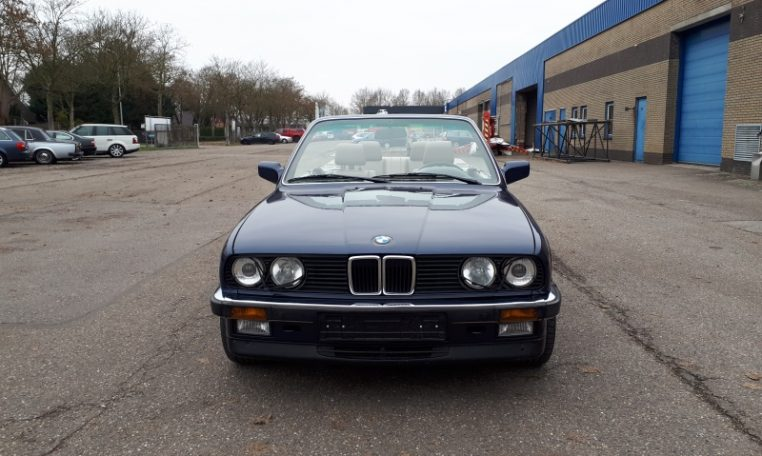 BMW 325i Cabrio E30 Royalblauw Metallic 166000 Km