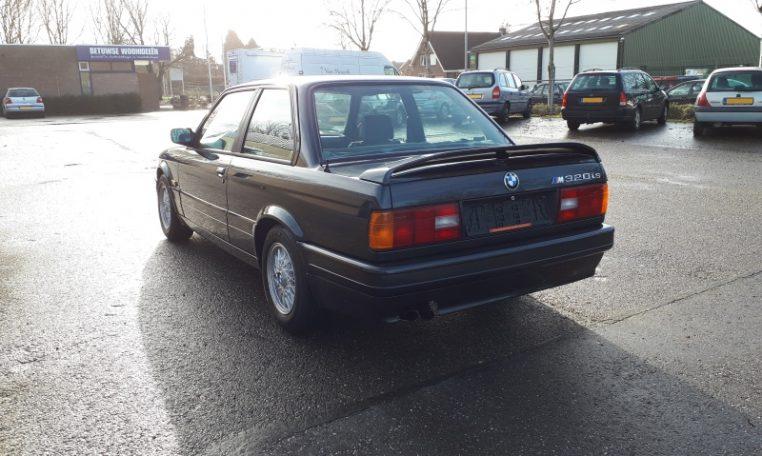 BMW 320is E30 Diamantzwart Met Grijs Stof 96000 Km