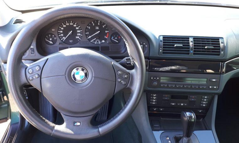 BMW 523i Touring E39 Donkergroen 118000 Km