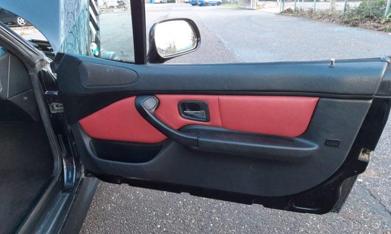 BMW Z3 3.0 Liter Saffierzwart Met Rood Leder 99000 Km