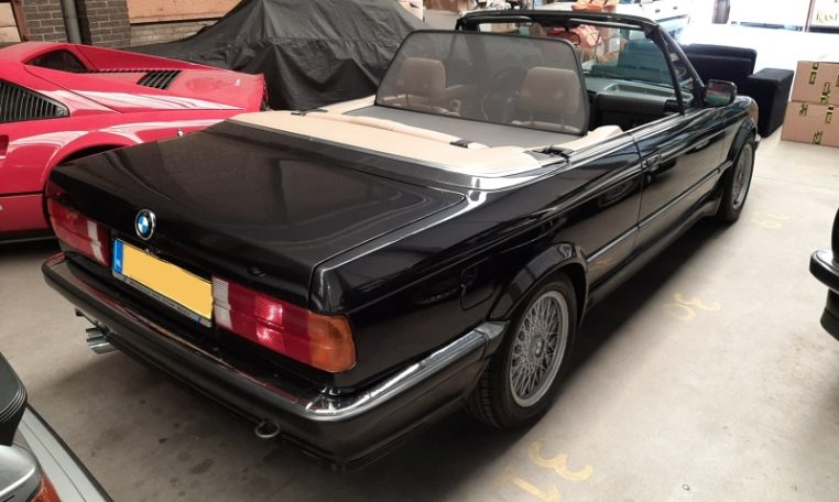 BMW 325i Cabrio E30 Aut. Diamantzwart Metallic Beige Leder 198000 Km