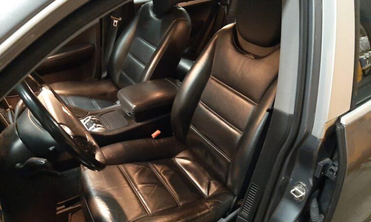 11002 Porsche Cayenne Grijs Met Zwart Leder 133000 Km
